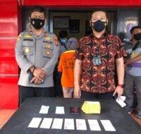 Kasat Reskrim Polres Balikpapan, Kompol Agus Arif Wijayanto SH SIK MH (baju batik). (Foto: Ariel S/Kaltimku.id)